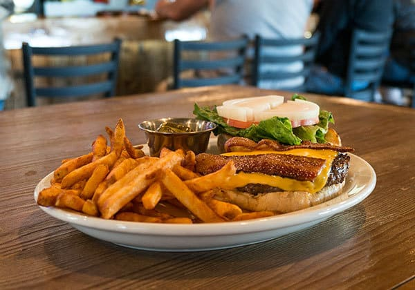 newcomb-valley-inn-burger-and-fries