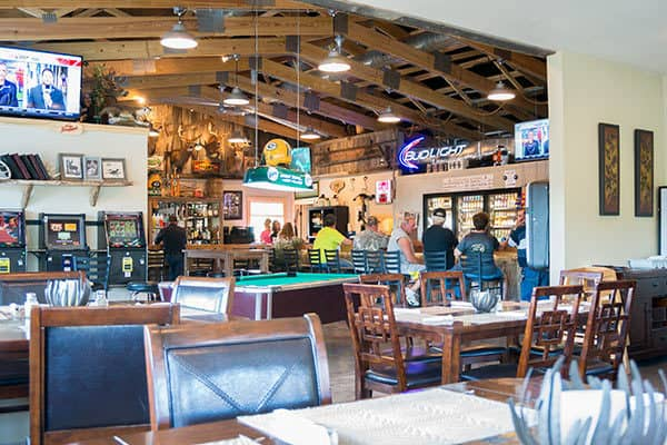 newcomb-valley-inn-bar-2